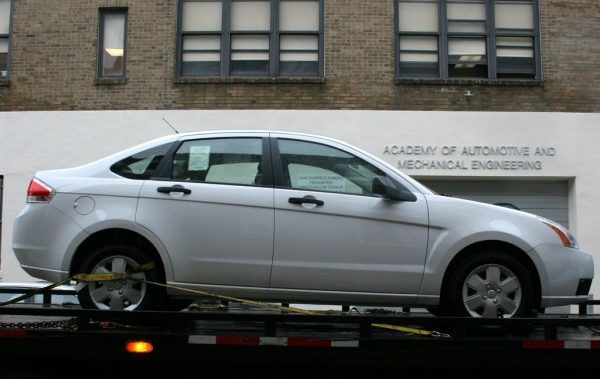 Ford Focus being delivered to the Auto Academy